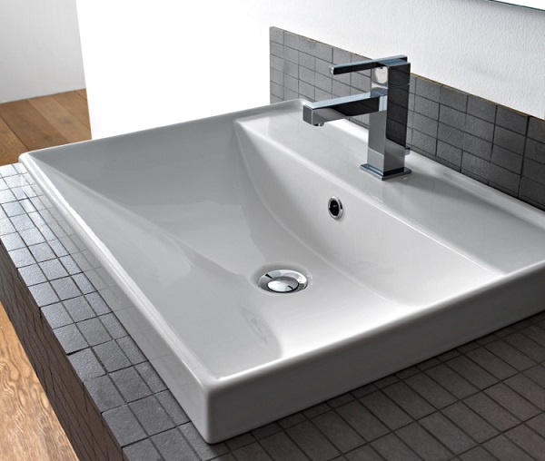 Self-Rimming Sink