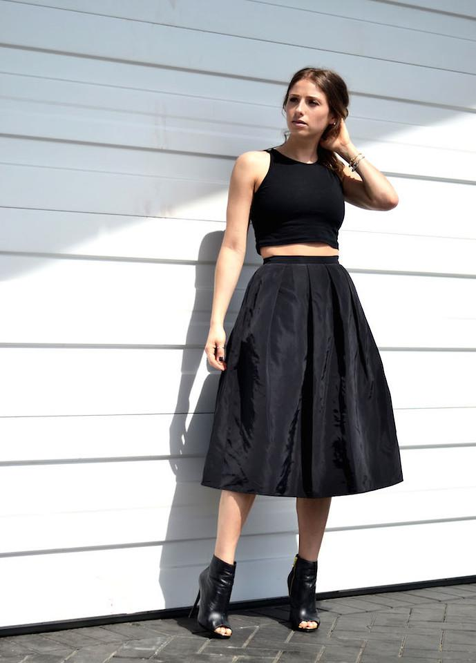 Skirt and crop top outfits 1